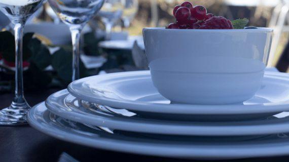 Porcelana Costa Verde: louça de qualidade de hotel em sua casa