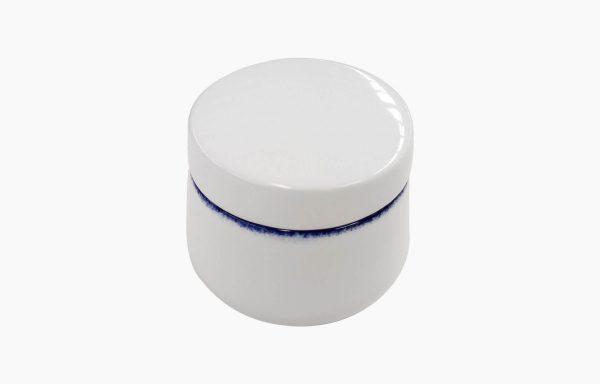 Açucareiro com Tampa Coral Blue. Açucareiro com tampa branco com filagem esponjada azul