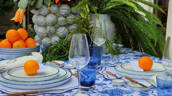Como decorar uma mesa de verão para receções intimistas